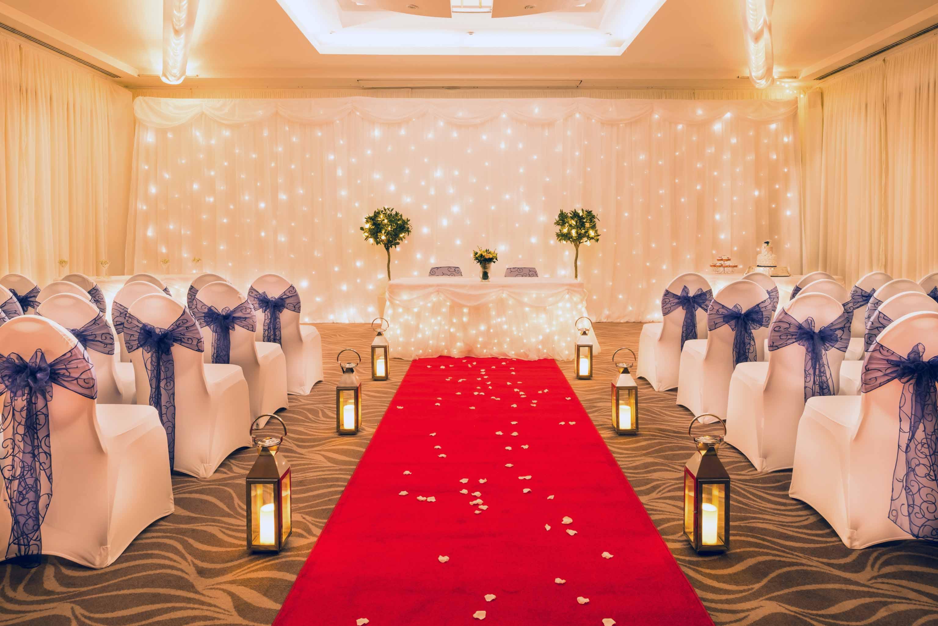 Wedding_Merry-Hill_285-Edit_newbolt_wedding_aisle_back